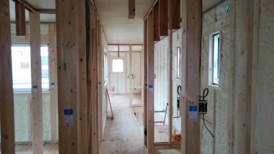 内部天井・壁下地工事中