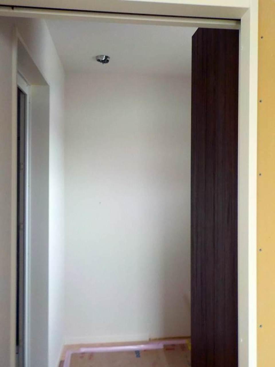内部施工状況(洗面室入口)